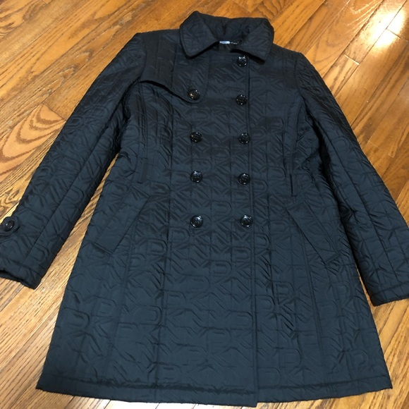 DKNY pea coat. Quilted DKNY pattern. Size large.